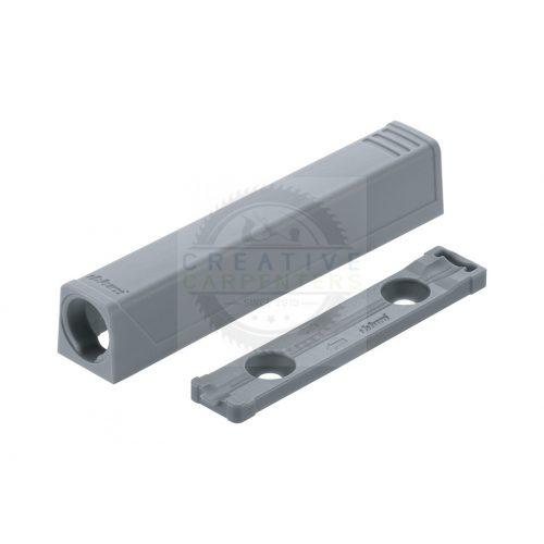 Blum 956A1201 TipOn egyenes adapter,76mm,szürke